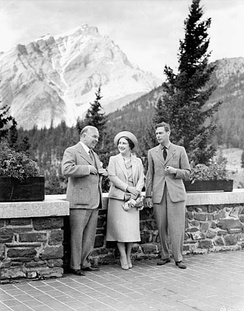 King George VI, Queen Elizabeth, and Prime Minister Mackenzie King in Banff, Alberta, 1939