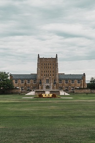 The McFarlin Library serves the University of Tulsa campus.