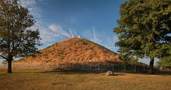 Miamisburg Mound, the largest conical mound in Ohio.