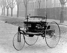 January 29 –Karl Benz patent.
