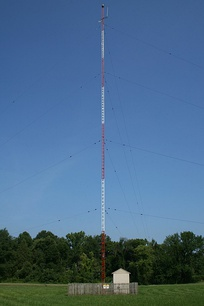 "A typical mast radiator and ""antenna tuning hut"" of an AM radio station in Chapel Hill, North Carolina."