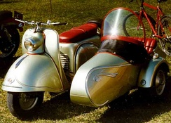 Glas Goggo scooter with sidecar