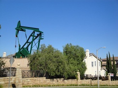 Signal Hill oilfield pumpjack, 2011