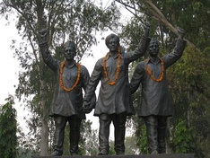 Statues of Bhagat Singh, Rajguru and Sukhdev at the India–Pakistan Border, near Hussainiwala