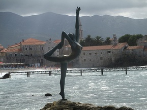 Budva dancer