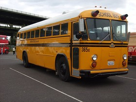Crown School bus at Meadowhall.jpg