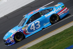 Aric Almirola in the No. 43 at New Hampshire Motor Speedway in 2017