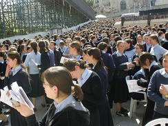 Haredi schoolgirls at the Western Wall.