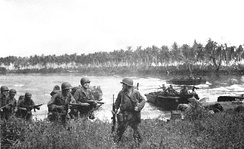 The first wave of US troops lands on Los Negros, Admiralty Islands, 29 February 1944.