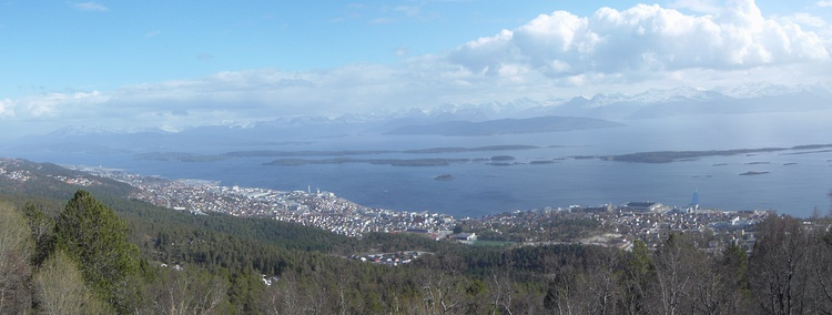 Molde Panorama. The Scandic Seilet Hotel can be seen towards the west, besides the Aker Stadion.