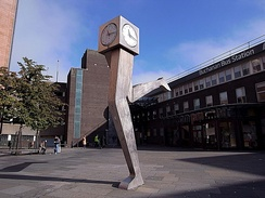 Iconic The Clyde Clock outside Buchanan bus station