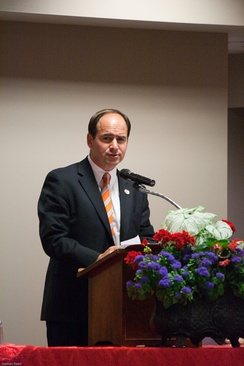 Wamp speaking during his campaign, at the 2010 Tennessee Governor's Luncheon