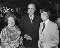 Euwe and wife meet Karpov in 1976