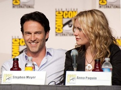 Paquin with husband and True Blood costar Stephen Moyer, 2009