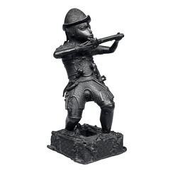 Bronze figure of a Portuguese soldier made by Benin culture in West Africa around 1600