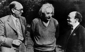Itzik Feffer (left), Albert Einstein and Solomon Mikhoels in the United States in 1943. Feffer was executed on the Night of the Murdered Poets. Feffer was rehabilitated posthumously in 1955, after Stalin's death.