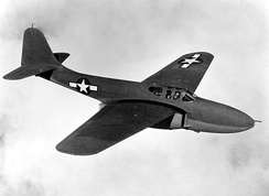Bell YP-59A in flight. X and Y aircraft had rounded vertical stabilizers and wingtips while the production A and B models had squared surfaces. The YP-59A can be distinguished from the XP-59A because Ys had nose armament.