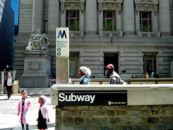 The entrance to Bowling Green subway station next to Bowling Green Park