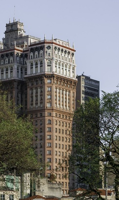 Martinelli Building was the first skyscraper of Latin America and the tallest until 1947.