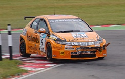 Chilton negotiating the chicane at Snetterton in 2008.