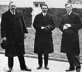 In January 1916, London was joined by Socialist Party leaders James Maurer (left) and Morris Hillquit (center) in a meeting with President Woodrow Wilson trying to forestall American entry into World War I.
