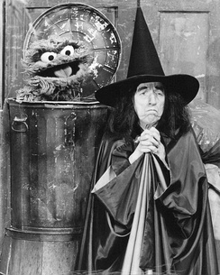 Margaret Hamilton and Oscar The Grouch in 1976