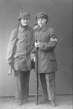 A 19-year-old (left) and a 27-year-old member of the Turku Female Red Guard. They were later executed in Lahti in May 1918.