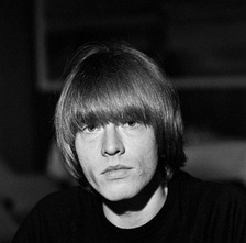 Durante los primeros años de la agrupación, Brian Jones fue su líder y principal instrumentista, destacando principalmente su influencia en los álbumes Aftermath, Between the Buttons y Their Satanic Majesties Request.