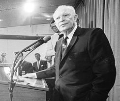 Eisenhower speaks to the press at the 1964 Republican National Convention