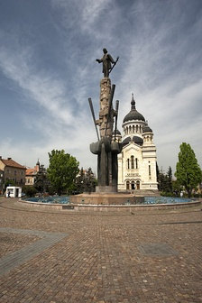 Dormition of the Theotokos Cathedral and statue of Avram Iancu