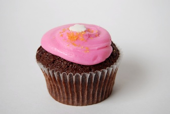 Pink is the color most commonly associated with sweet tastes.