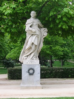 Statue of Queen Urraca in the Parque del Buen Retiro in Madrid. Urraca succeeded as queen in 1108.