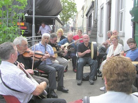 A traditional music session, known in Irish as a seisiún.