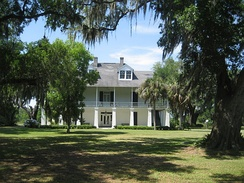 Kenilworth Plantation House (originally Bienvenu) in St. Bernard's Terre aux Boeufs dates back to the 1750s.