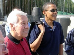 Richard Lugar with then-Senator Barack Obama in August 2005 near Perm, Russia