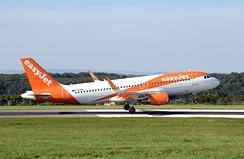 easyJet Airbus A320-200.