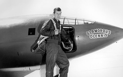 Yeager in front of the Bell X-1, which, as with all of the aircraft assigned to him, he named Glamorous Glennis (or some variation thereof), after his wife.