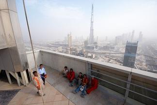 Рабочие на строительстве небоскрёба в Дубае