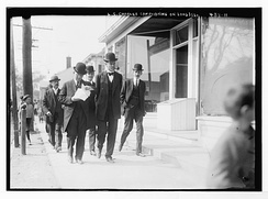 Chanler campaigning at Greenport, Long Island, 1908