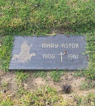 Astor's grave at Holy Cross Cemetery