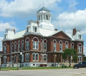 Morgan County Courthouse in Versailles
