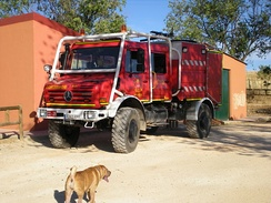 Unimog 437.4 U 5000 (UHN) fire engine with rollover protection structures