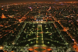 Champ de Mars at night (2007).