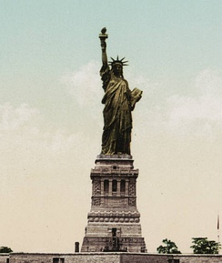 Statue of Liberty c. 1900, showing the original copper color