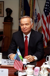 Uzbekistan's authoritarian leader Islam Karimov in the Pentagon, March 2002
