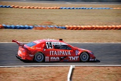 Luciano Burti on Campo Grande Speedway with the Peugeot 408, in 2011.