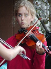 A youth fiddle performance at the Minnesota State Fair