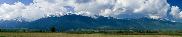 Panorama of Pirin from the Razlog Valley.