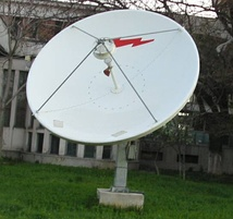 A C-band satellite dish used by TVRO systems.