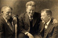 Andrew Furuseth (left) with Senator La Follette (center), and muckraker Lincoln Steffens, c. 1915